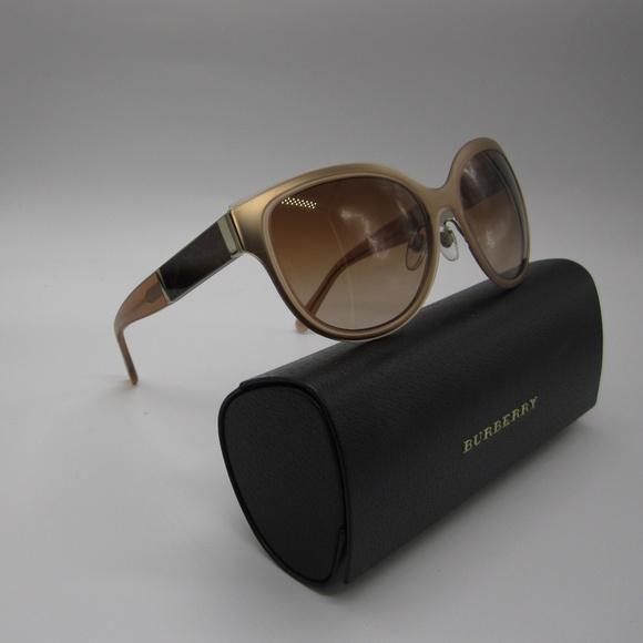 3f4011285ee Burberry Accessories - Burberry B3087 1218 13 Women s Sunglasses w case